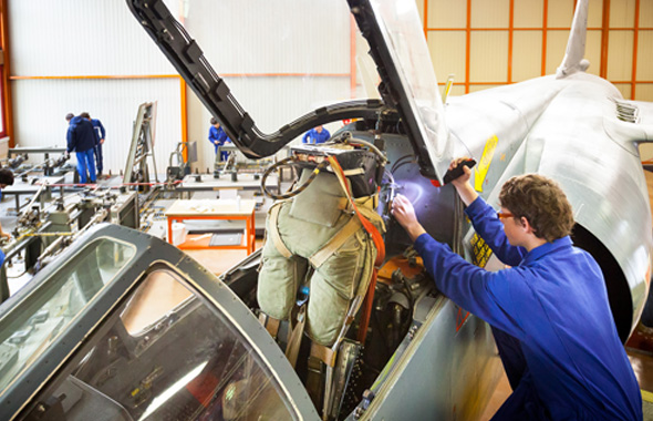 REMOVAL / INSTALLATION OF COMPONENTS ON AIRCRAFT