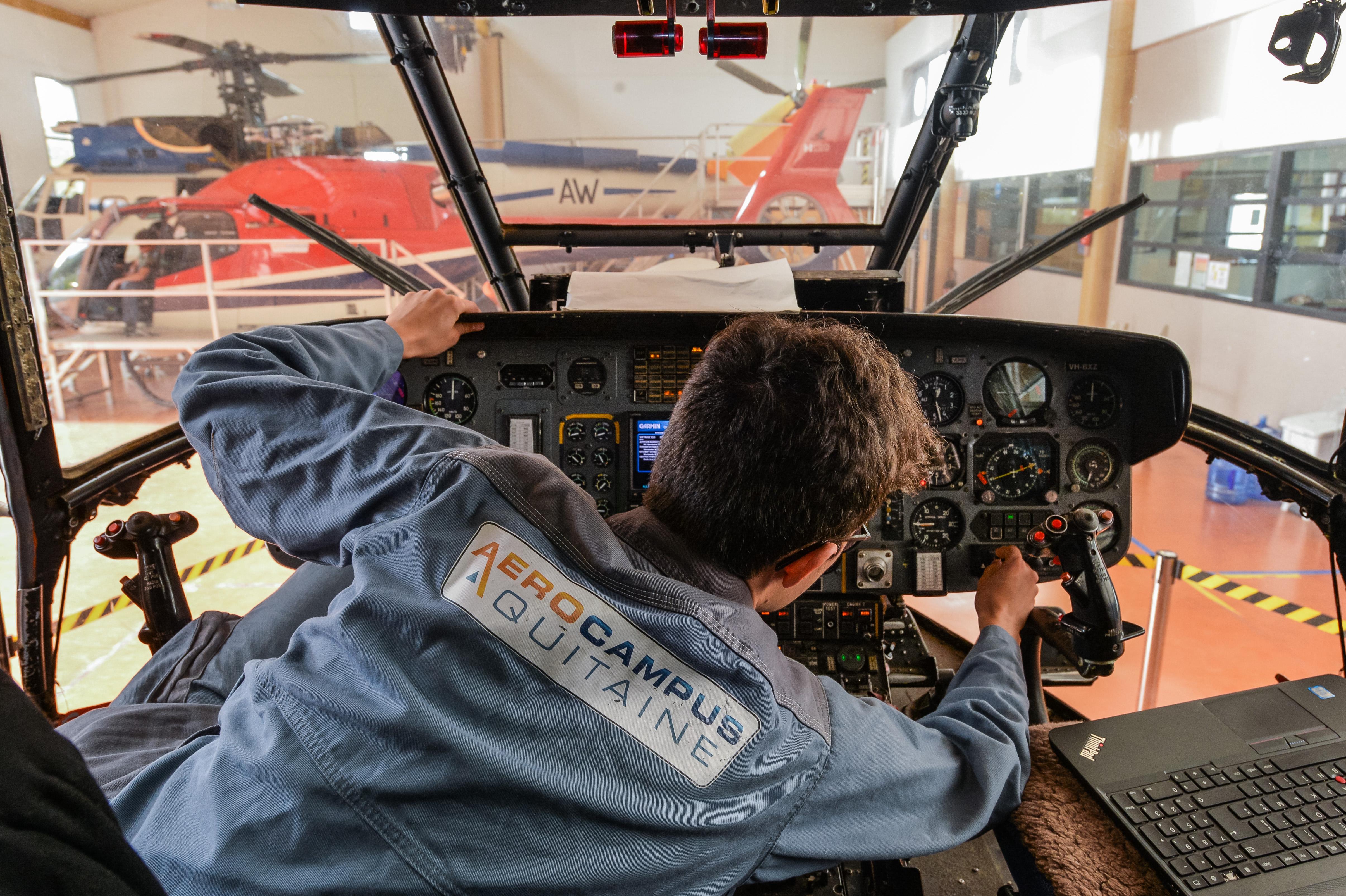 Bac Pro Aéronautique – Option Avionique / Désormais Accessible Par La Voie De L'apprentissage !